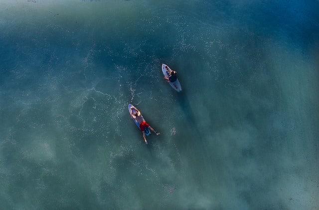 otro deporte para practicar en verano es el surf